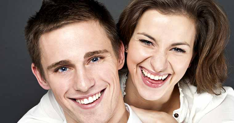 Veneers in Azusa – There are many uses of Dental Veneers when it comes to covering dental imperfections