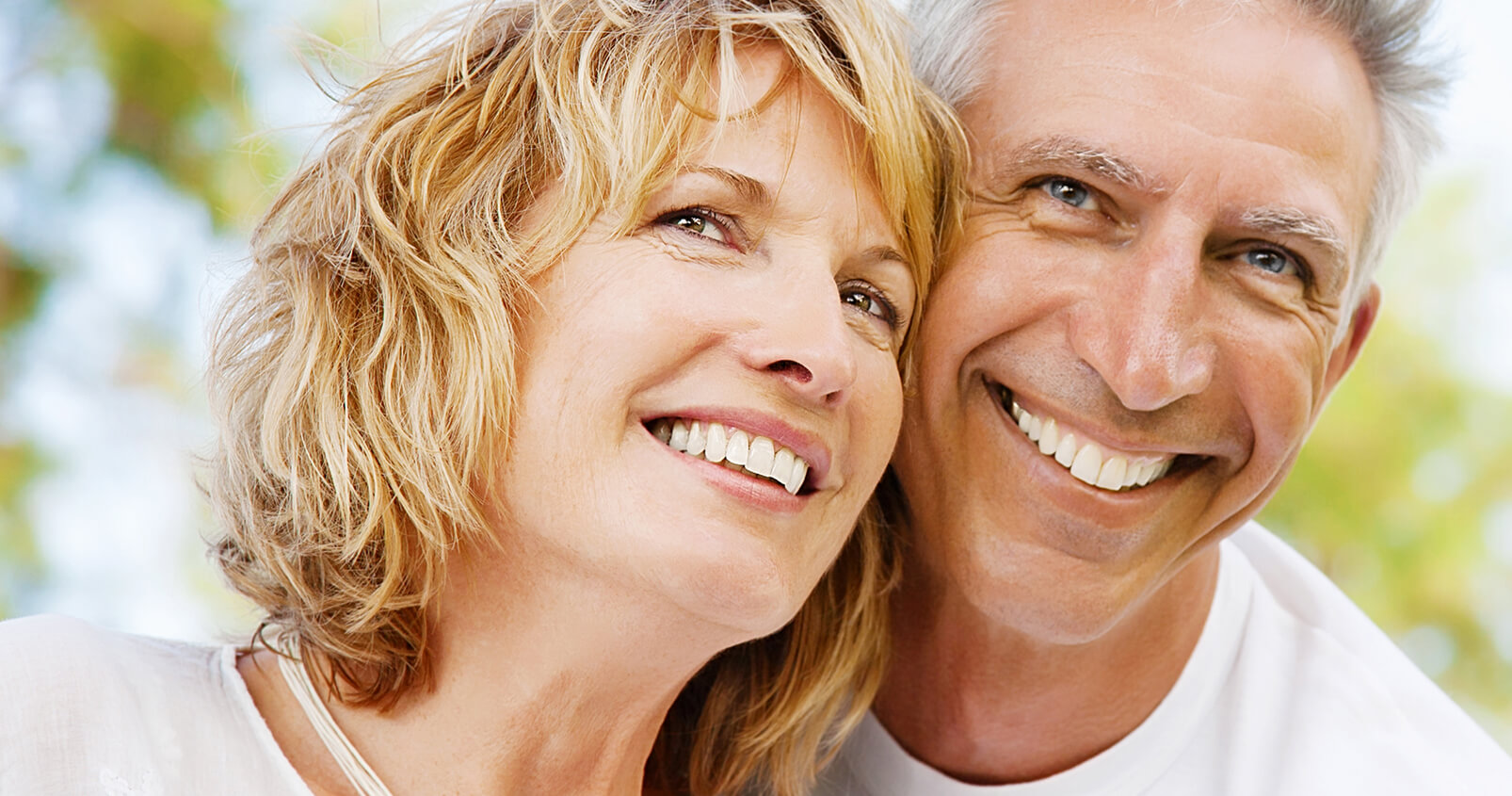 An Azusa, CA dentist, explains the benefits of porcelain crowns for weakened teeth